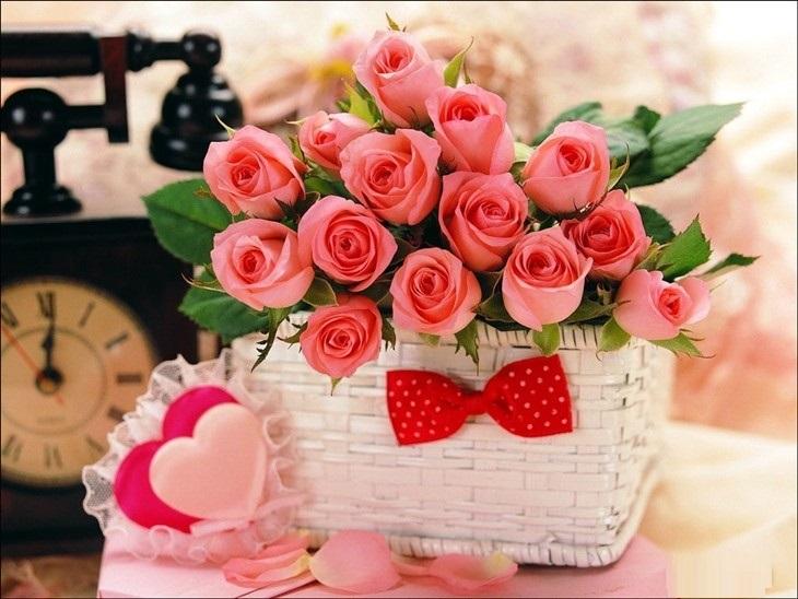 Một bó hoa đẹp thường được lựa chọn làm quà tặng ngày Valentine.